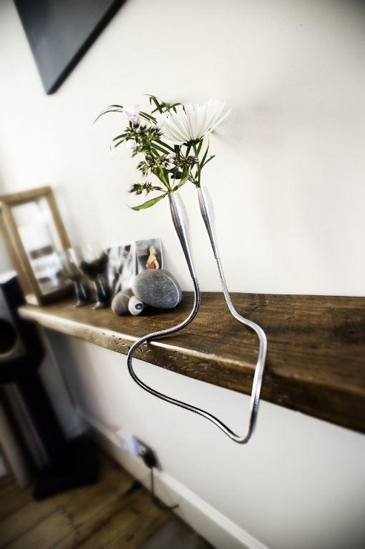 Tanglabra Vase - vaso tubolare flessibile in acciaio