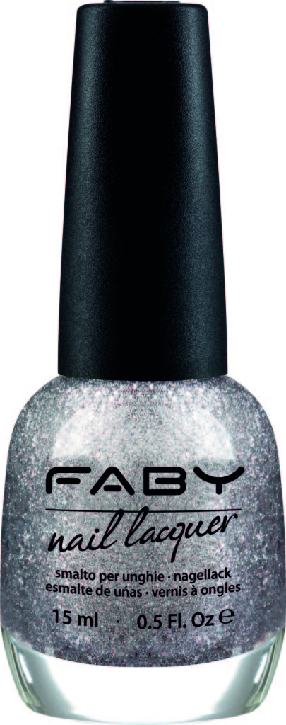 La nuance Meteor Shower di Faby illumina le tue unghie con una pioggia di meteoriti, una cascata di pepite rosa e argento.