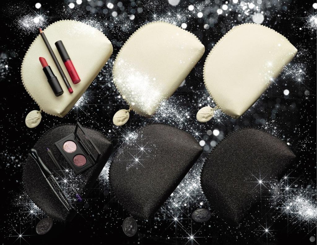 kit labbra Keepsakes Lip Bag nelle versioni Red Lip Bag, Nude Lip Bag, Coral Lip Bag. Una piccola pochette contentente un rossetto , lucido e  la matita abbinata. Prezzo 44,00 euro
