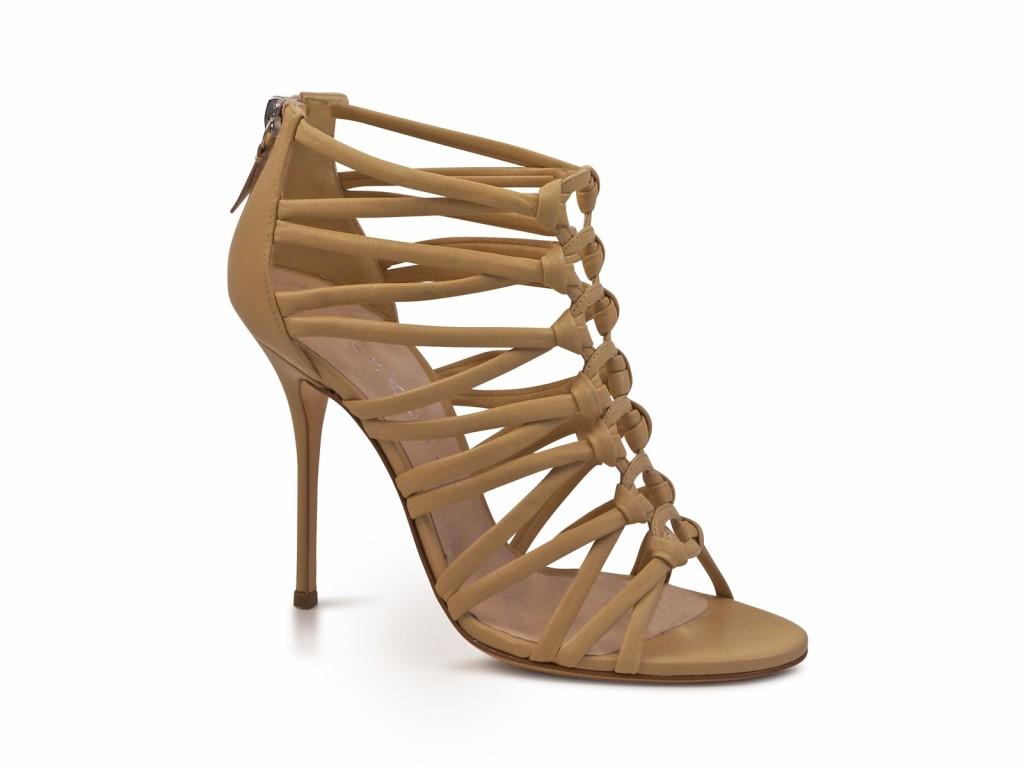 meraviglioso sandalo color nudo in nappa della Casadei