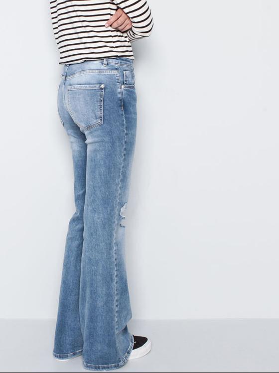 Taglio flare per i jeans chiari Pull & Bear