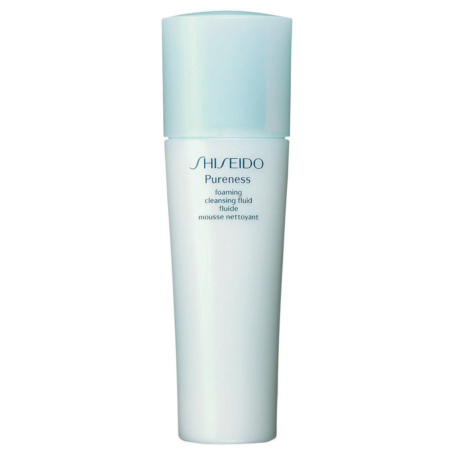 Shiseido Pureness foaming cleansing fluid a contatto con l'acqua si trasforma in una morbida schiuma
