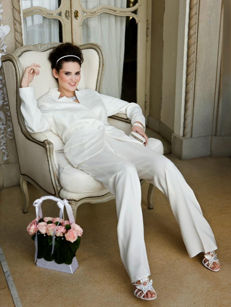 Abito stile tailleur bianco in seta