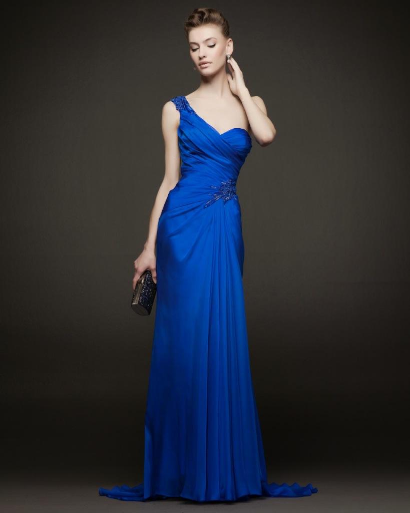 1ccf524f8803 Abito da sposa molto elegante in seta blu di Rosa Clarà collezione 2014