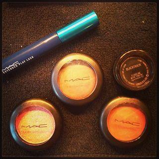 Alcuni dei prodotti della sua routine quotidiana - Instagram (belenrodriguezreal)