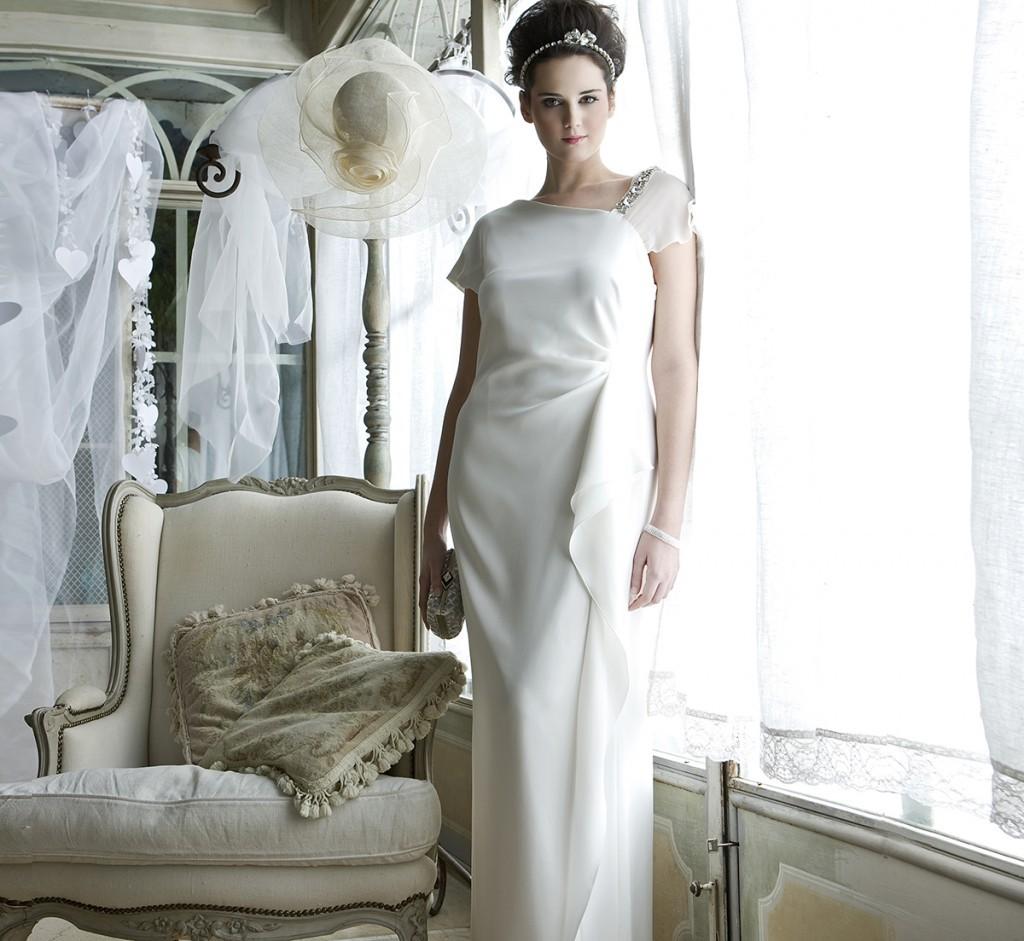 Semplice abito da sposa Marina Rinaldi molto elegante e sobrio