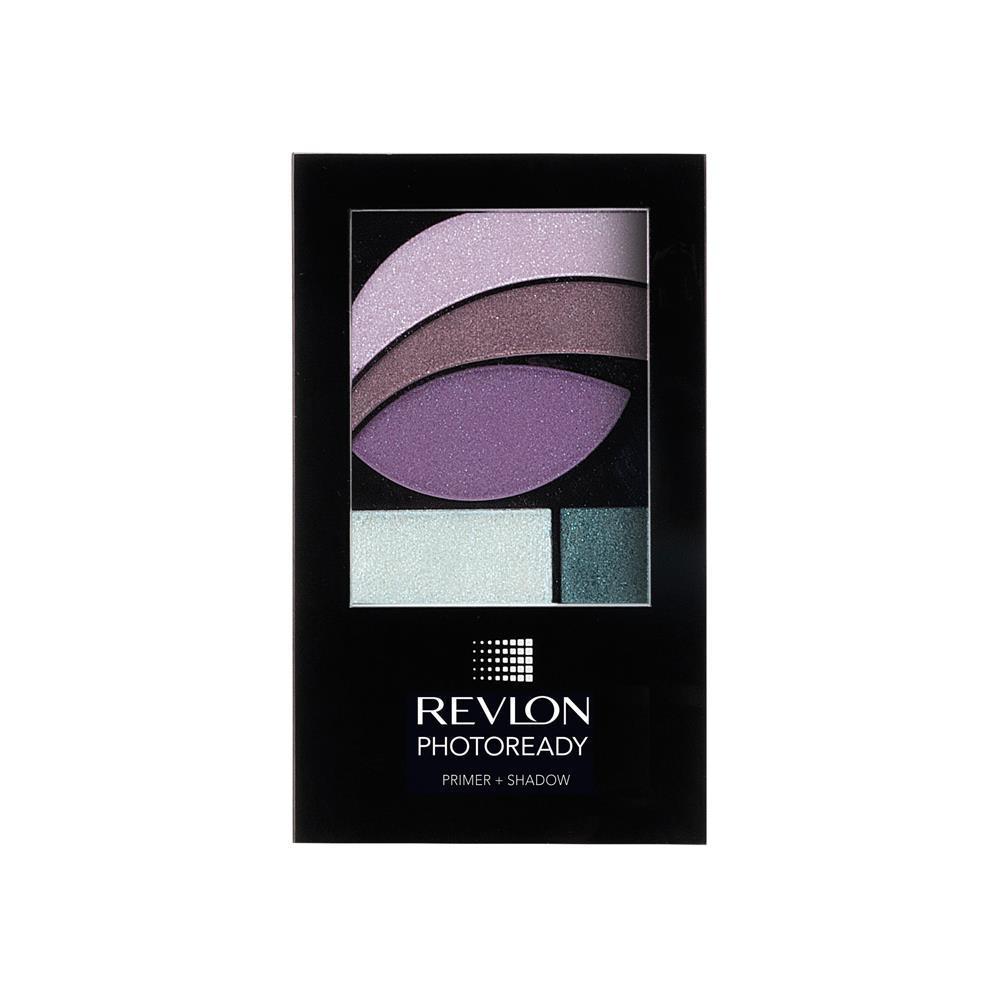 ... mentre per giocare tra le sfumature di rosa e grigio si può optare per  Revlon Photoready Primer + Shadow