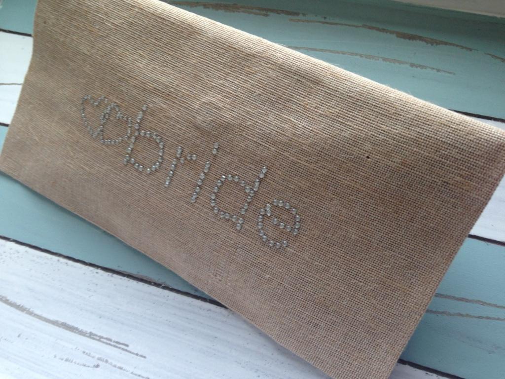 rustica pochette fatta a mano con scritta Bride realizzata con piccoli strass