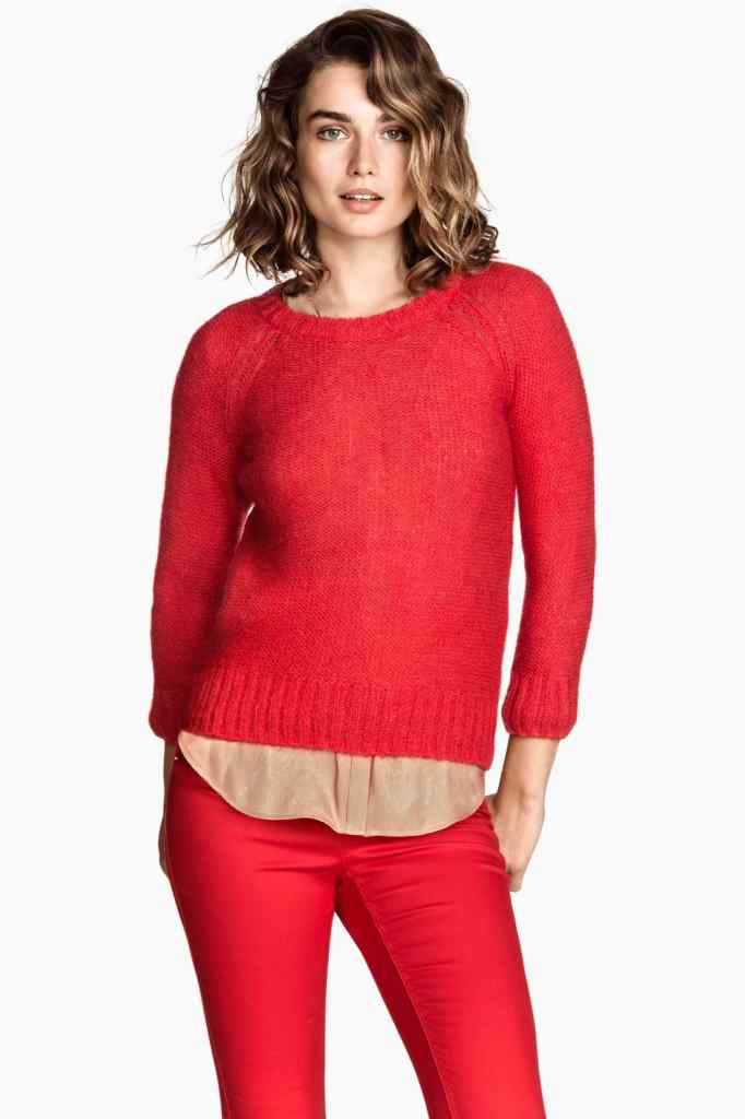Il pullover in misto mohair con maniche a tre quarti e cerniera a vista, disponibile in quattro colori a meno di 20,00euro_H&M