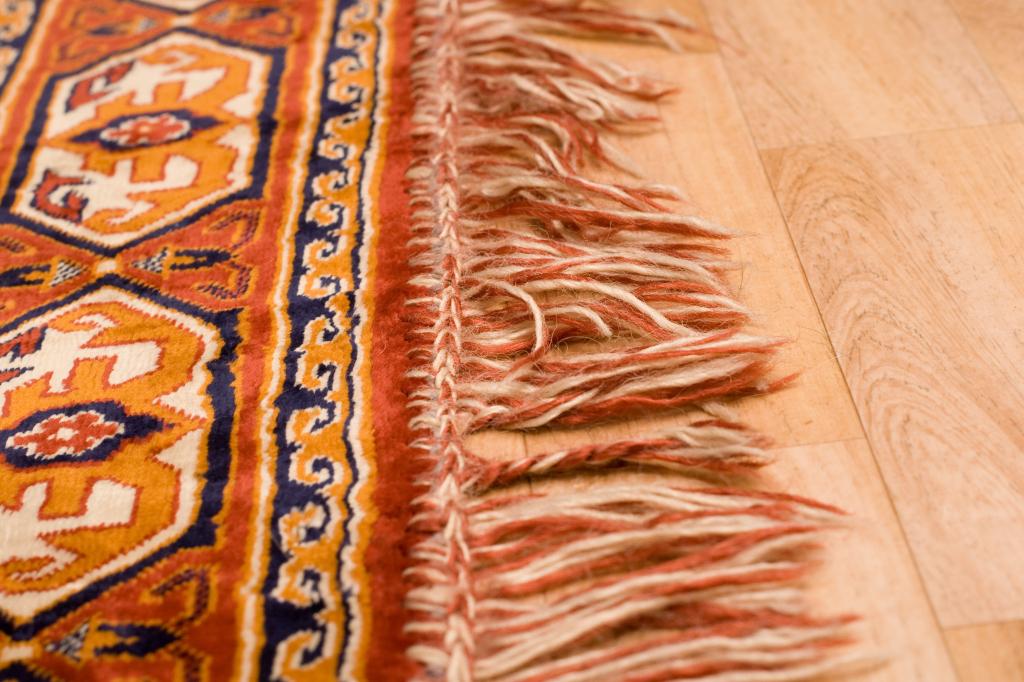 Come pulire i tappeti persiani unadonna - Come pulire i tappeti in casa ...