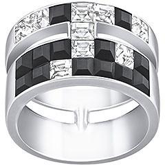Atelier Swarovski by Combinando un design chic con linee pure e grafiche, questo anello palladiato è ornato di cristalli Clear e neri. Elegante e trendy, si adatta per il tempo libero o come accessorio chiave per i tuoi outfit serali.