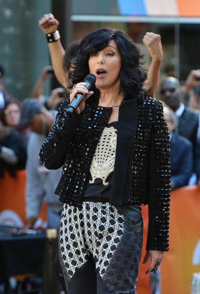 Cher si esibisce al Today Show della NBC, 2013.
