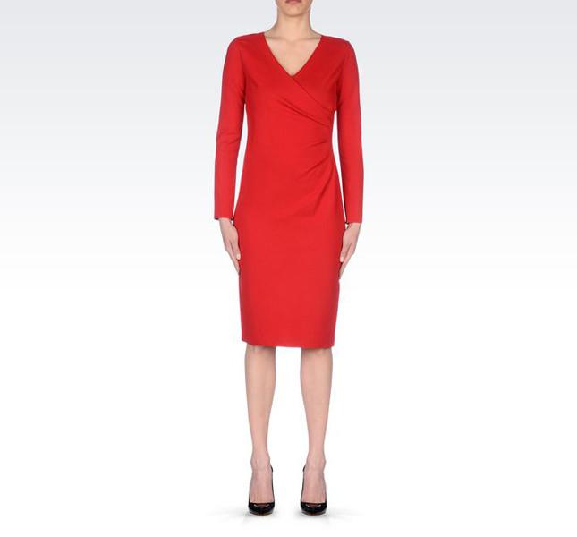 Armani vestito rosso con maniche lunghe  in misto viscosa.