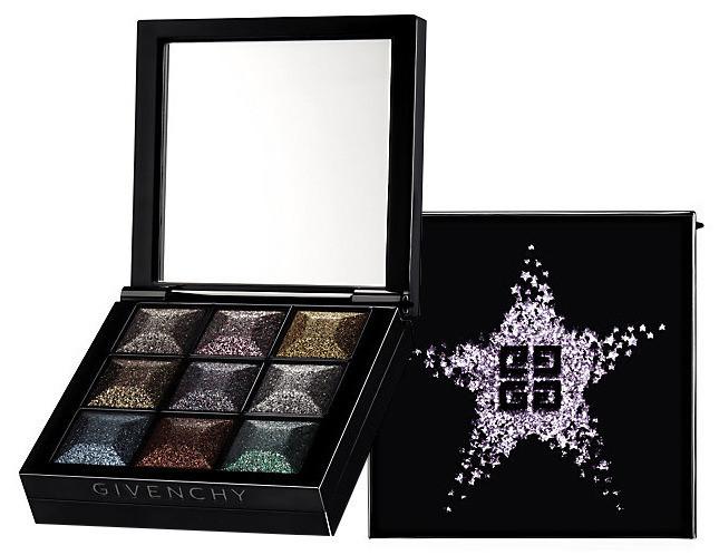 LE PRISMISSIME YEUX NOIRS EN FOLIE: una mini palette, composta da nove ombretti dal finish scintillante.
