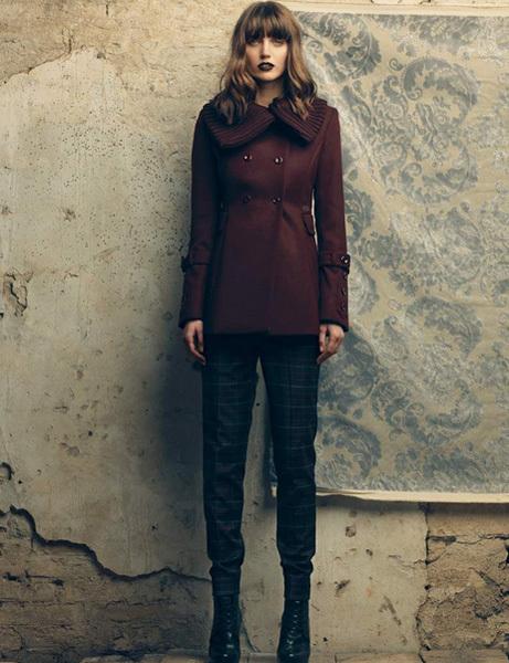 Color Marsal è la giacca corta Orshola di Fornarina