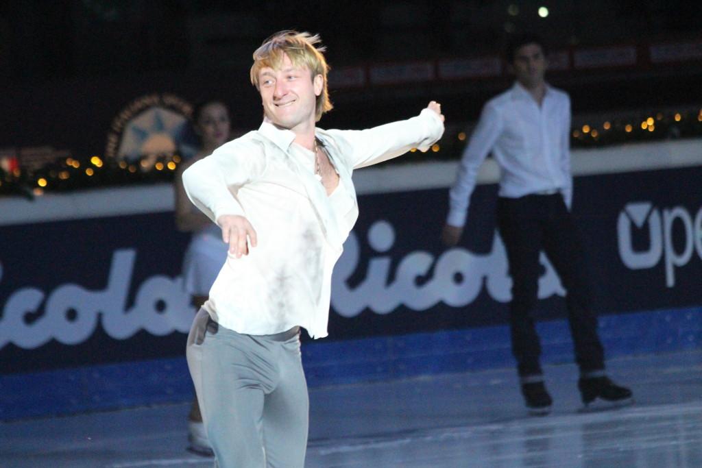 Evgeni Plushenko sorride divertito durante la sua esibizione - Credits: Chiara Rota