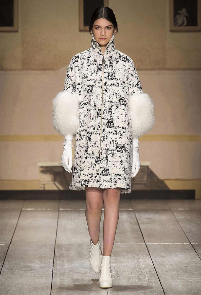 Giacca Laura Biagiotti, bianca e fantasia nera collezione autunno inverno 2014 2015