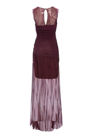 Per seguire la moda colore del 2015 Pinko propone l'abito lungo Achillea (890 euro)...