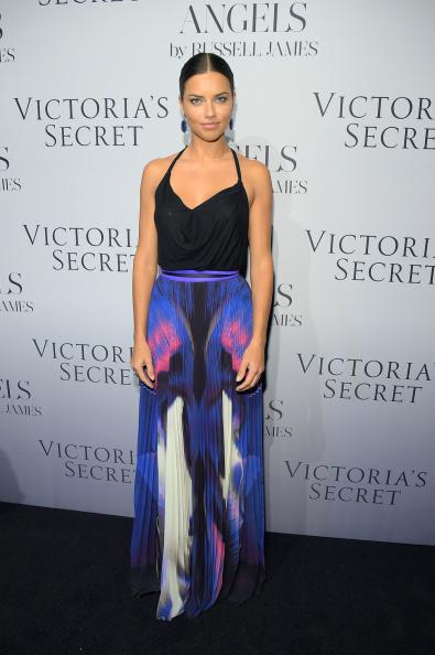 Adriana Lima è il volto dell'edizione 2014 del Victoria's Secret Fashion Show insieme alla collega Alessandra Ambrosio