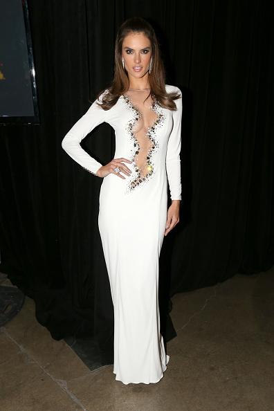 Splendida e sensuale, la super top Alessandra Ambrosio è uno degli Angeli più famosi di Victoria's Secret