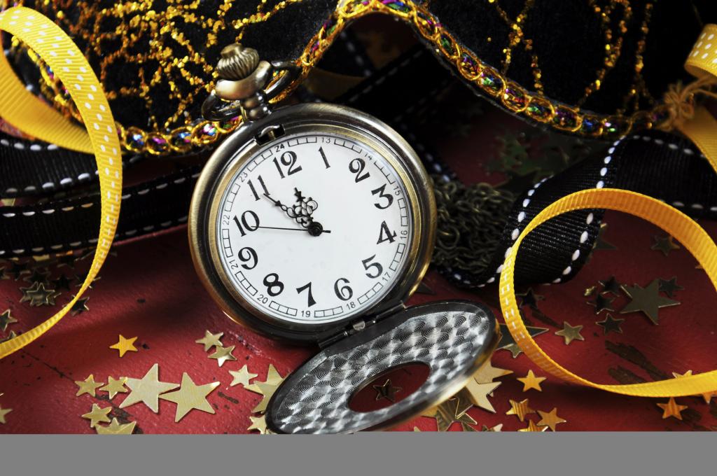 Le decorazioni a tema orologio sono un must per la notte del 31 dicembre