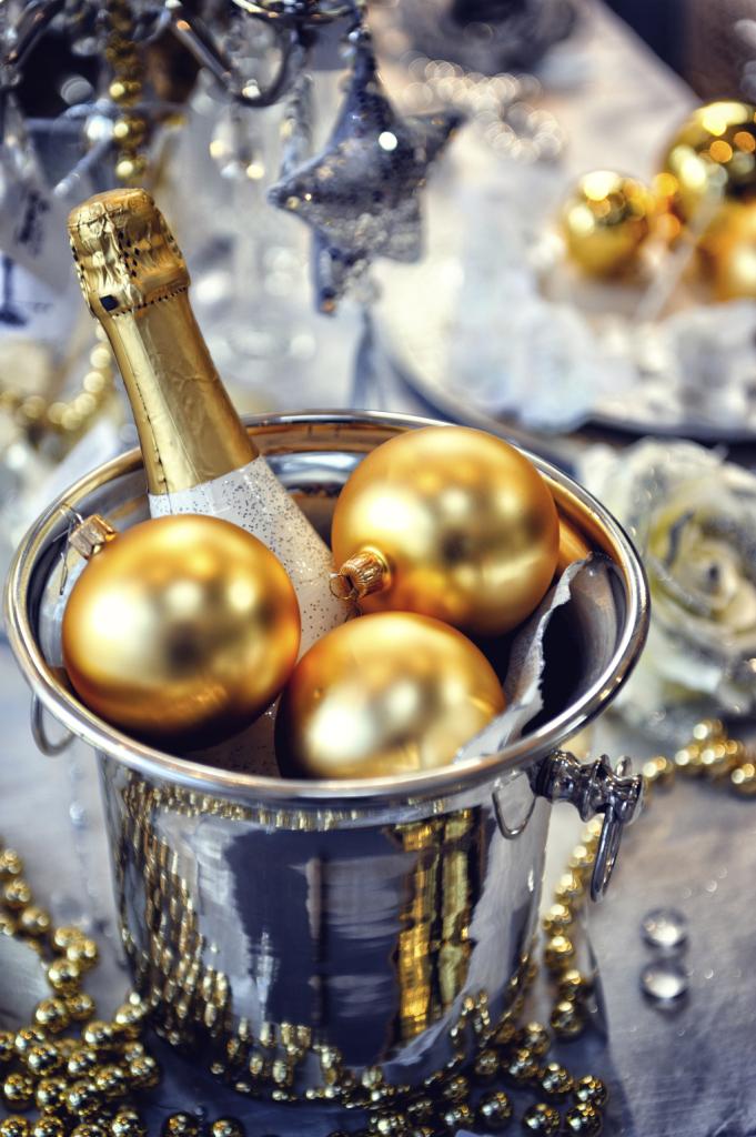 Argento e oro sono i protagonisti delle decorazioni di Capodanno