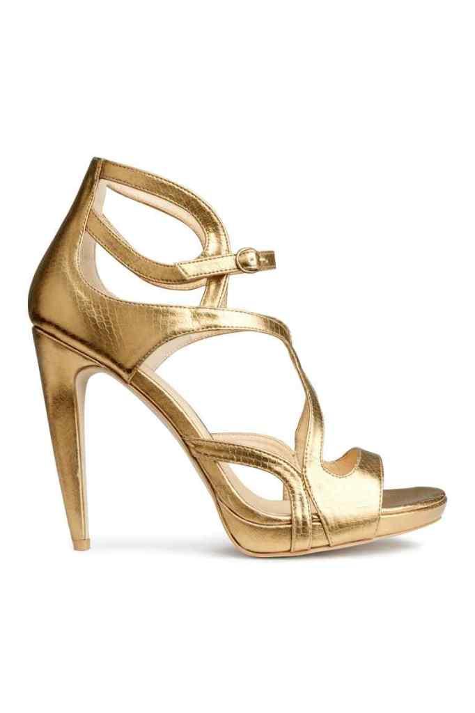 H&M_ Sandali color oro € 49,99