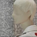 Il cuore rosso con cui Valentino omaggia Fornasetti