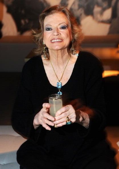 Anita Ekberg nel 2010 alla premiere romana dedicata a La Dolce Vita organizzata da Gucci