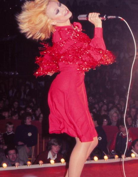 Raffaella Carra vanta anche una carriera come cantante. 1984, Madrid (Spagna)