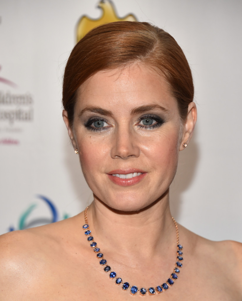 Amy Adams per il make up occhi sceglie spesso tonalità nella gamma dei blu...