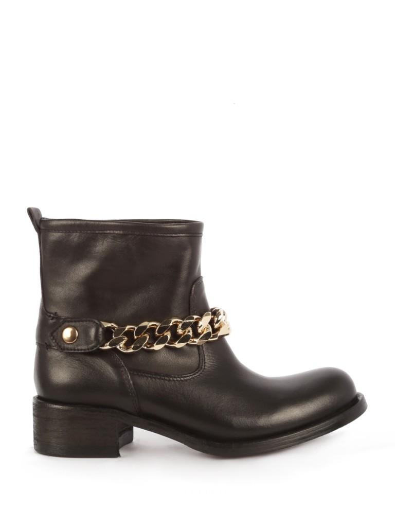 Catenina dorata, dettaglio strong per biker boots