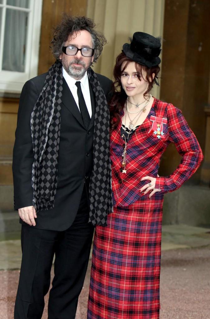 L'investitura di Helena Bonham Carter a Commendatore dell'ordine dell'Impero Britannico
