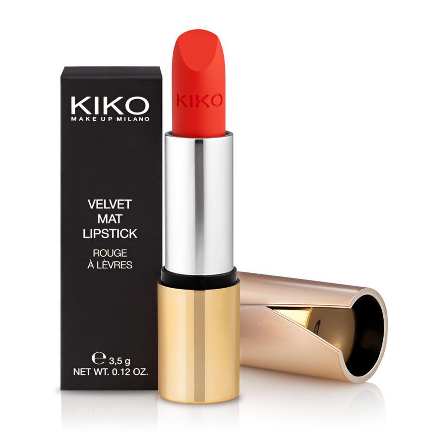 Se ami un finish opaco, scegli il rossetto mat satinato Velvet Mat di Kiko