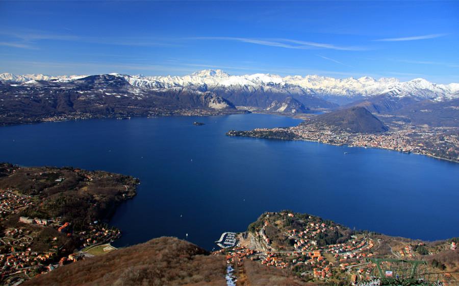 Una splendida veduta del Lago Maggiore