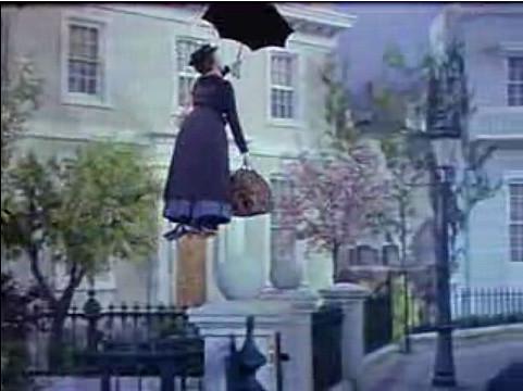 Cappello, ombrello e valigia è Mary Poppins