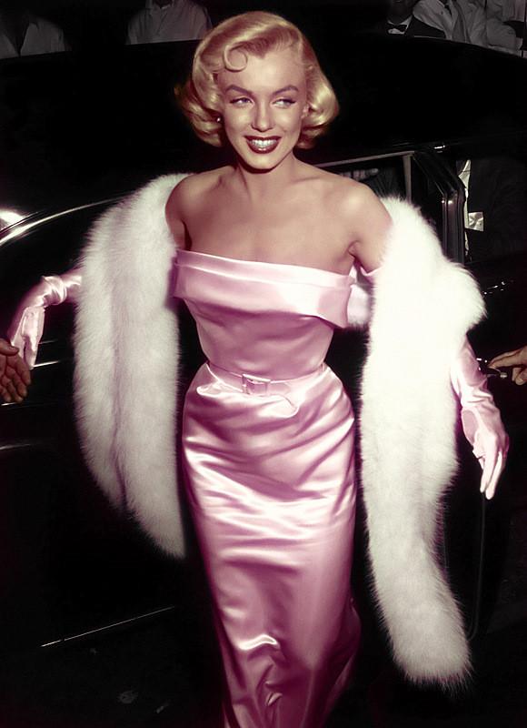 Sexy e blondie, la diva cui ispirarsi a Carnevale
