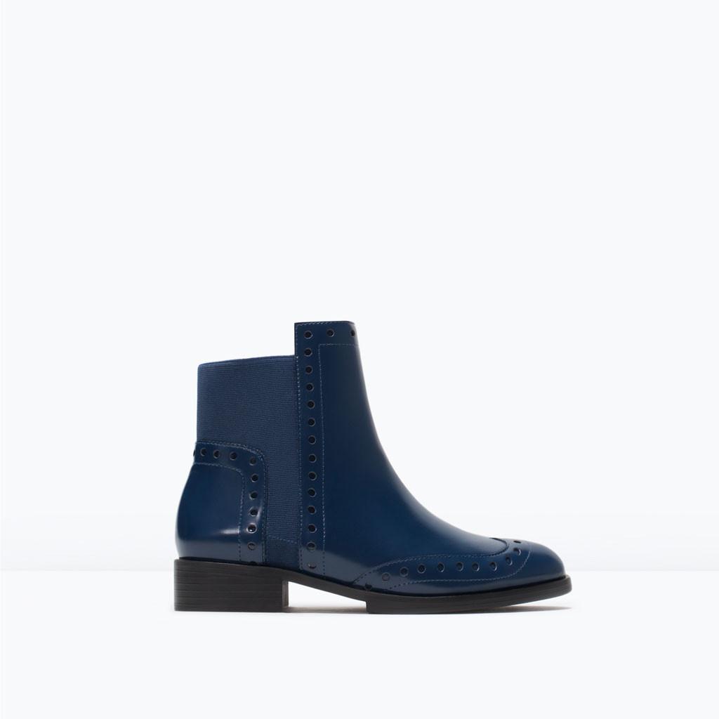 Stivaletto con foratura blu Zara
