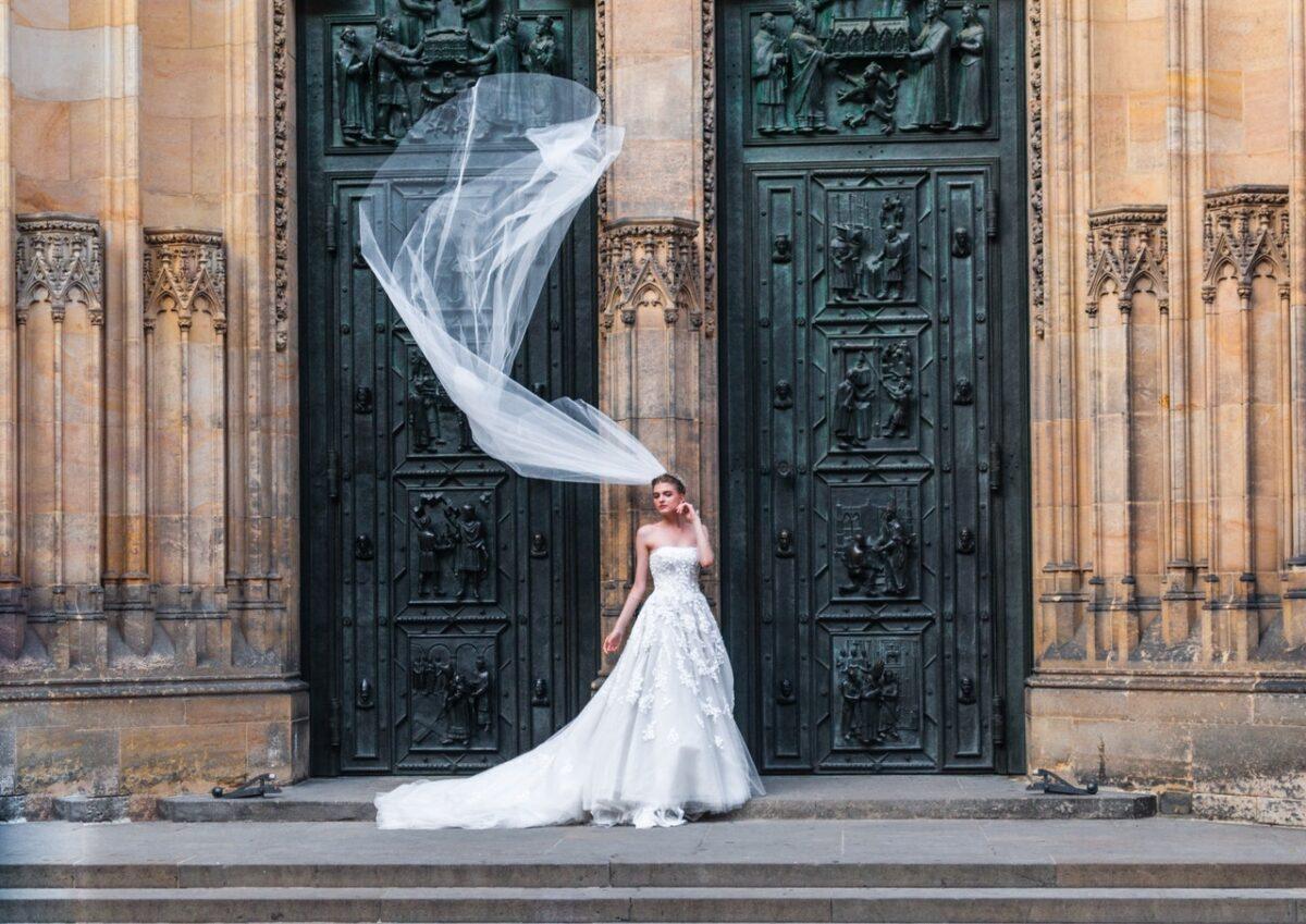 Test: quale tipo di abito da sposa è perfetto per te?