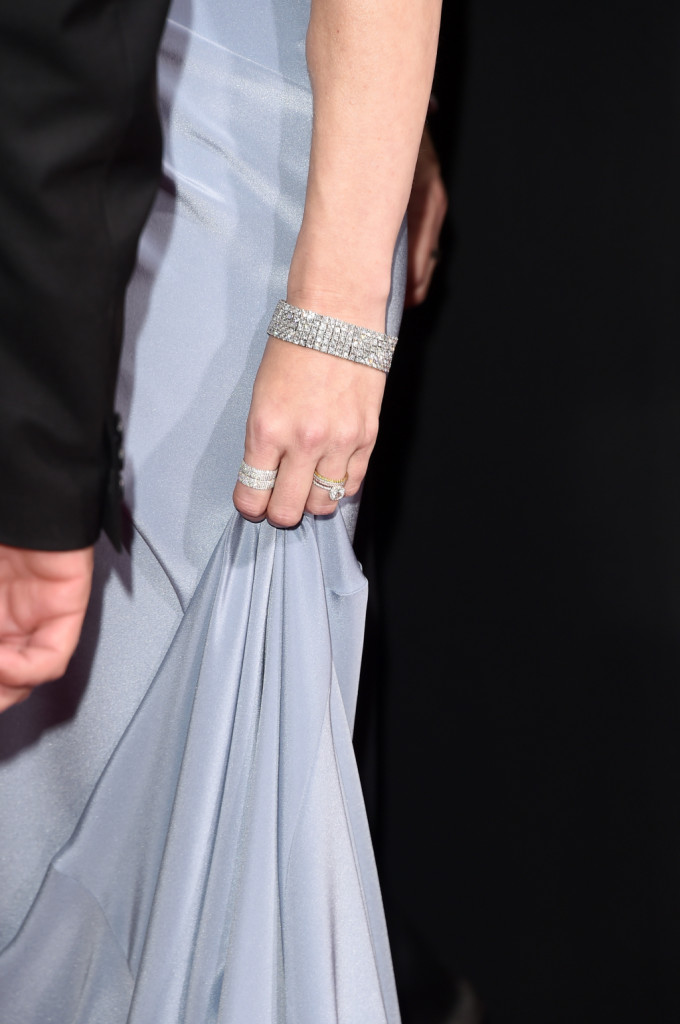 Amy Adams sceglie bracciali e anelli coordinati di brillanti
