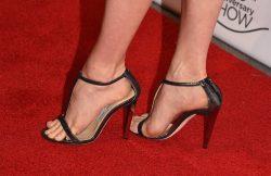 Sandali gioiello e tacchi alti