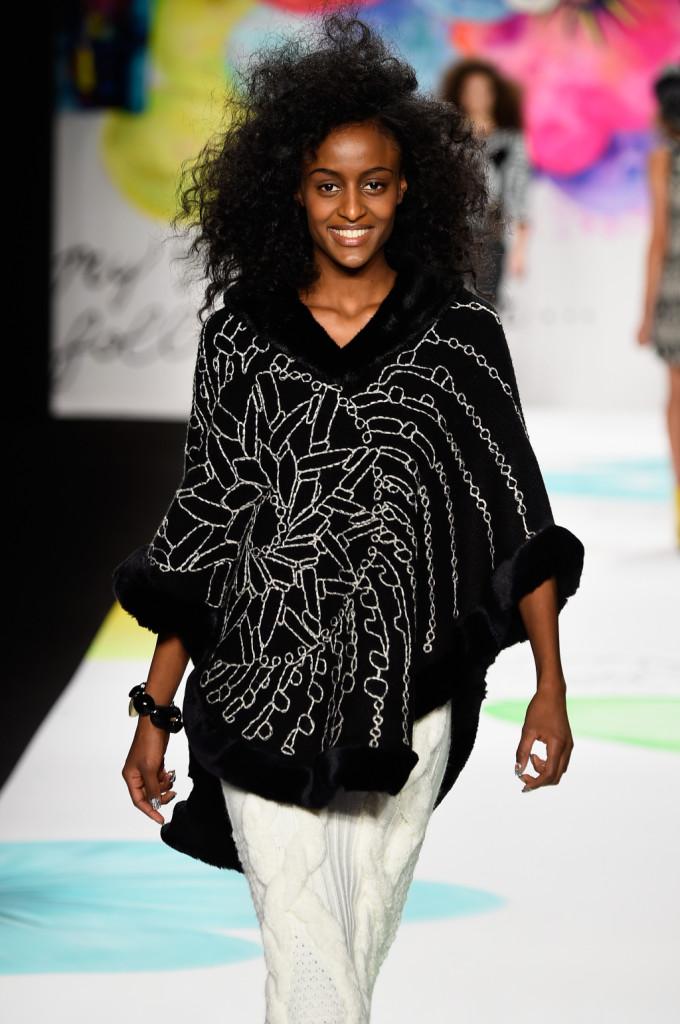 Desigual_Fw 2015/2016  Uno degli outfit black&white proposti dal brand