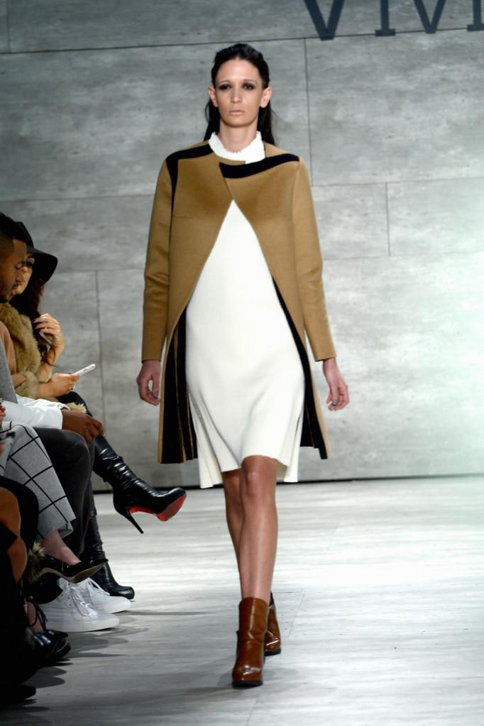 Semplice e d'effetto: è il look visto da Vivienne Hu