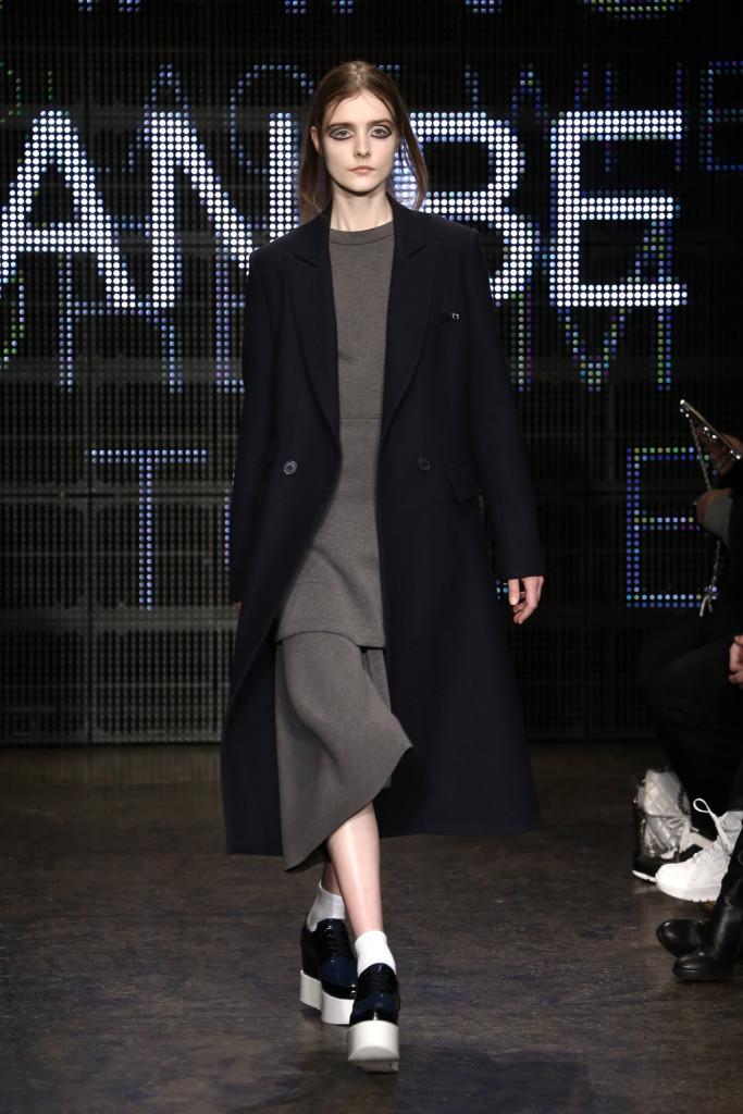 Oversize: è così che si indossano abito e cappotto per la FW 2016