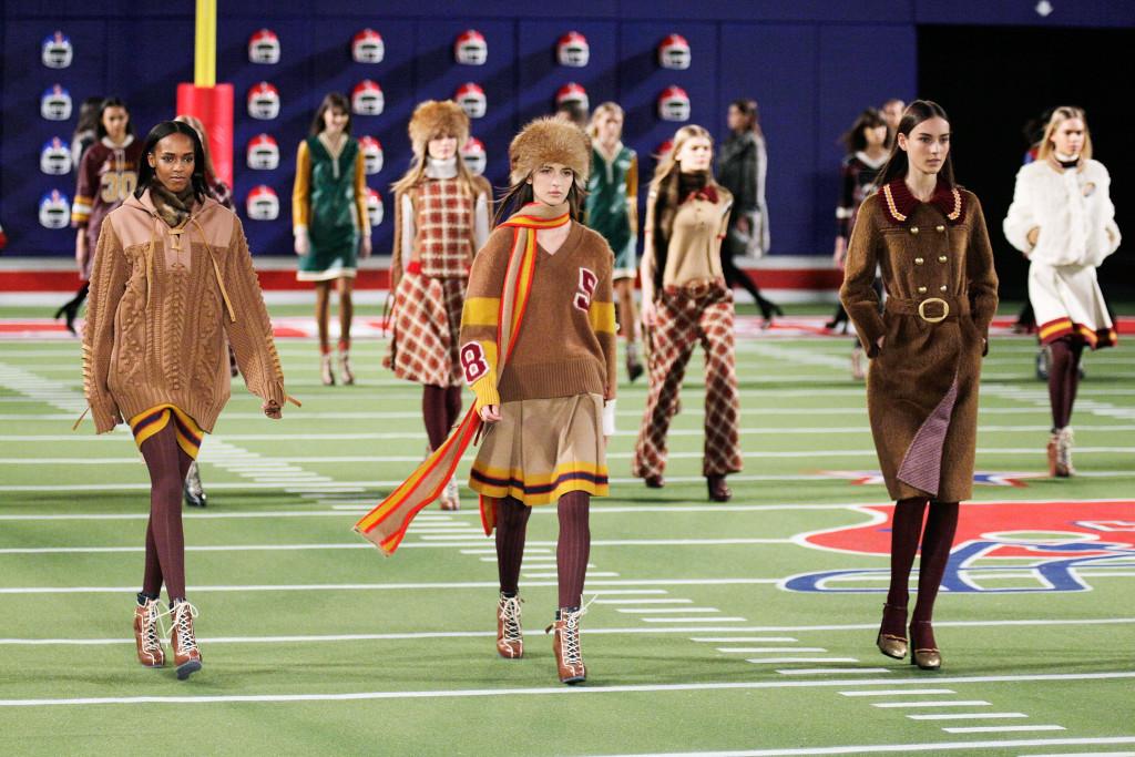 Tommy Hilfiger porta in campo la moda