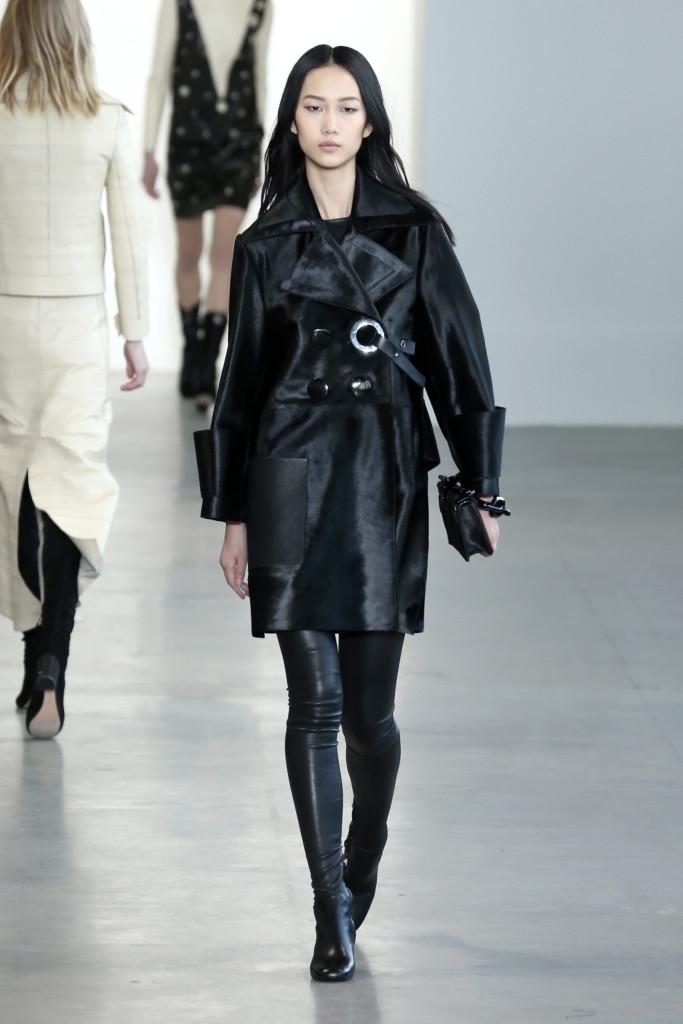 Calvin Klein Collection FW 2015/2016 prende spunto dall'arte di Carlo Mollino e Kiki Kogelnik e dalla poetica di Lou Reed