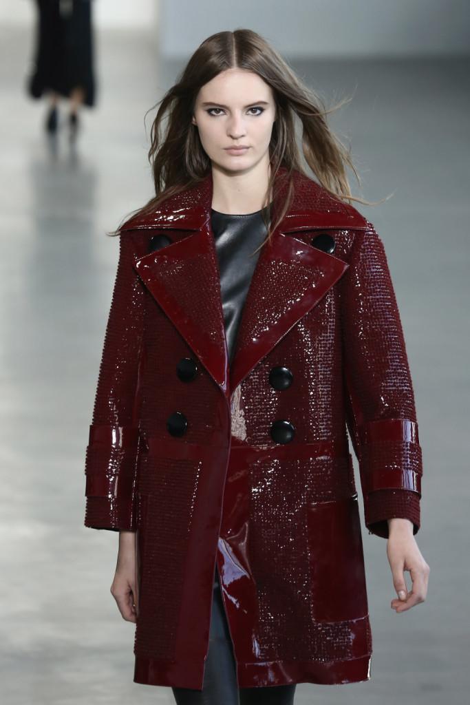 Calvin Klein Collection - Cappotto in pelle e latex lavorata color marsala