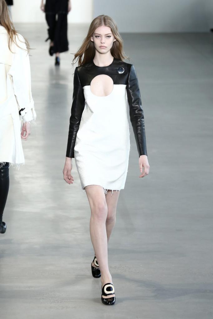 Calvin Klein Collection - Tubino in pelle bianca con parte superiore e maniche in pelle nera