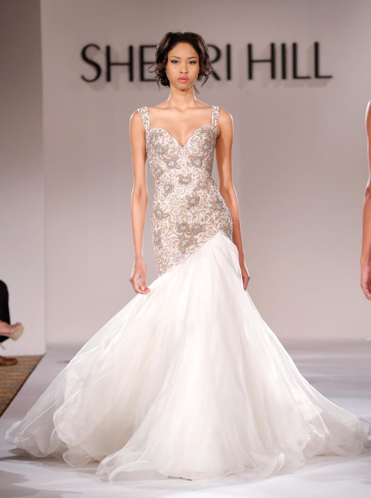 La bridal collection di Sherri Hill è un trionfo di tulle e ricami