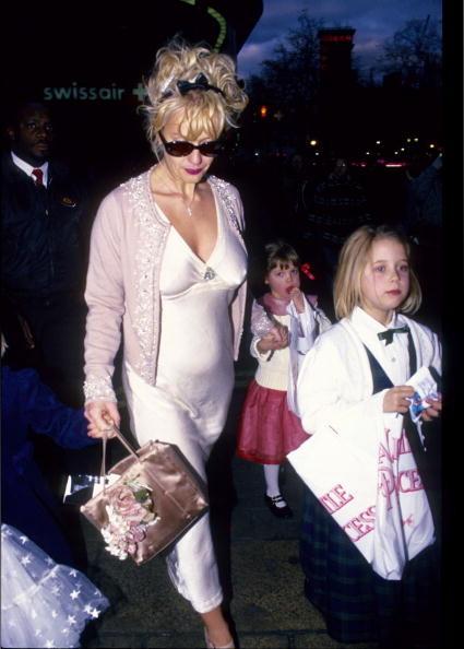 Una piccola Peaches Geldof con la madre  Paula Yates